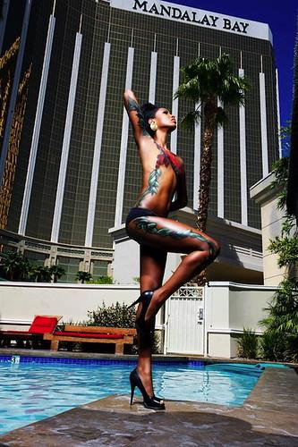 Fadil Berisha posing in bodypainting at Mandalay Bay