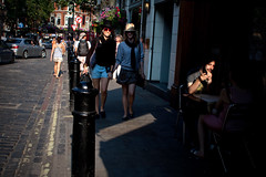 London summer [2] (Che-burashka) Tags: street girls light summer people london luz cafe soho citylife hats highcontrast places londonsummer canonef28mmf18usm