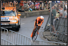 2010-07-03 Tour de France 2010 - Proloog - 240 (Topaas) Tags: rotterdam tourdefrance kopvanzuid wielrennen afrikaanderwijk rijnhaven posthumalaan proloog tijdrit granddpart hillekop tourdefrance2010 granddpart2010 proloogtourdefrance2010