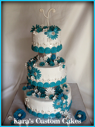 Teal and White Daisy Wedding Cake a photo on Flickriver
