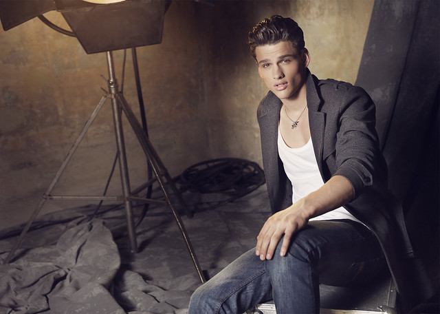 Simon Nessman0093_Blanco FW10(angel_inside@mh)