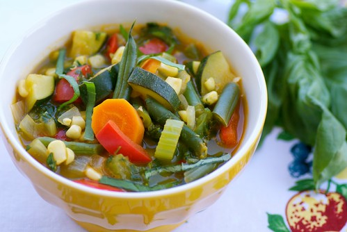 late summer vegetable soup with pesto