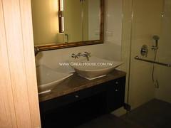 黃金新象:主臥衛浴實景照