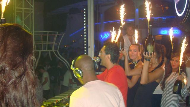 Champagne arrives at Via Notte