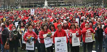 Members of Local 1298 in Connecticut rallied, marched and stayed strong during 18 months of AT&T bargaining that finally led to a tentative contract this week.
