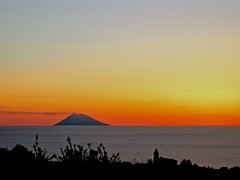 Sunset/Tramonto...  #EXPLORE (Angelo Raia) Tags: light sunset nature water clouds canon tramonto mare natura explore angelo sole luce paesaggio vulcano raia anawesomeshot