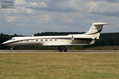 G-YAAZ - 5189 - Private - Gulfsteam G550 - Luton - 100805 - Steven Gray - IMG_1201