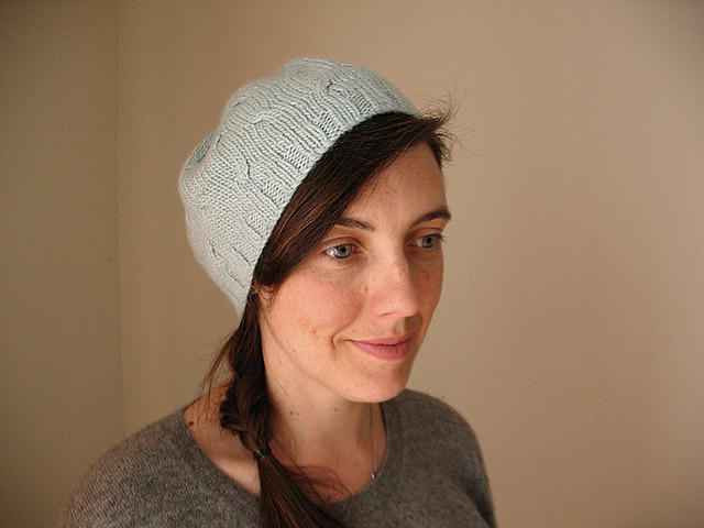 Mini cables hat 2