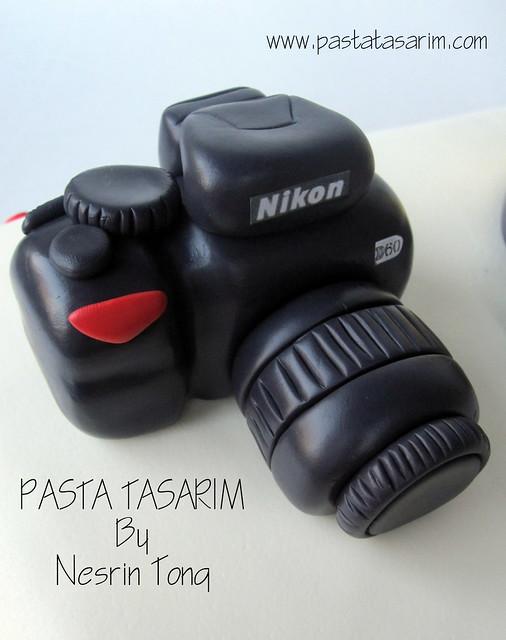 BIRTHDAY CAKE- NIKON D60 CAMERA