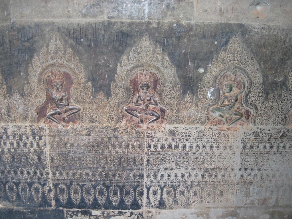Trois Apsara