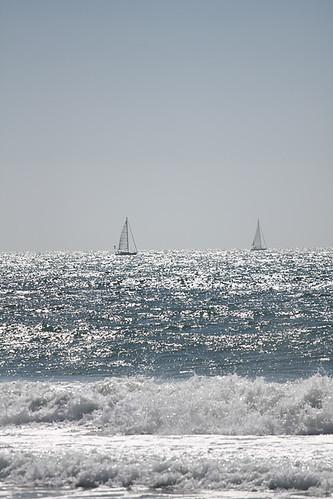 Ships a sailin