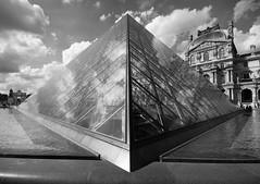 Pyramide du Louvre 3D par Franck Vervial