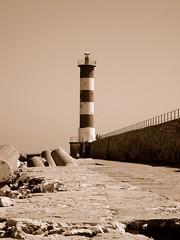 (Jamiecat *) Tags: lighthouse france port la boat harbour bateau aude roussillon phare languedoc nouvelle