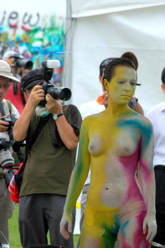 Lisa Berczel Body Painting Festival in Daegu, South Korea.