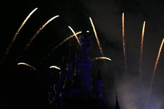 dlrp august 2010-112 (Snyers Bert) Tags: park fireworks euro disneyland august disney resort land parc enchanted augustus 2010 vuurwerk dlrp sorteren