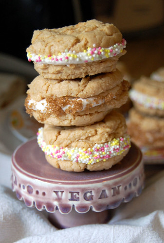 peanut butter and cream cookies