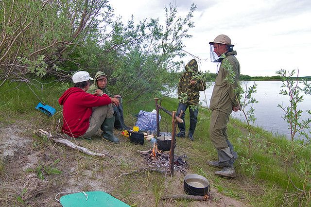 защита от мошки на рыбалке