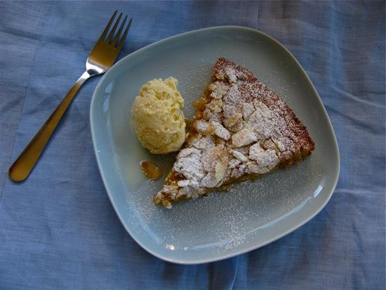 banana almond cake 003