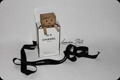 CHANEL (LPhotos87) Tags: white black japan amazon perfume box mini chanel scatola nero giappone enoki yotsuba danbo profumo tomohide binco revoltech danboard