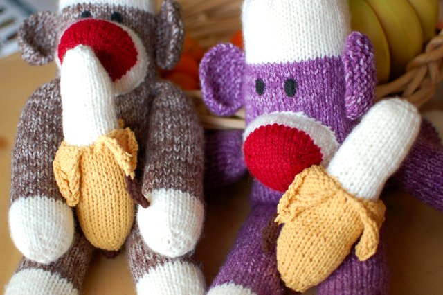 knitted monkeys and bananas