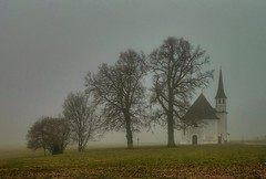 Harmating (Claude@Munich) Tags: trees mist tree church misty fog germany bayern bavaria oberbayern upperbavaria foggy kirche chapel explore hdr octagon kapelle leonhard nebelig octagonal claudemunich kirchlein saintleonhard egling harmating stleonhardskapelle achteckig leonhardskapelle sanktleonhardskapelle achteckbau explore147110218