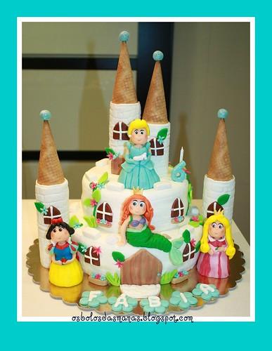 Bolo Castelo Princesas Disney 5 by Osbolosdasmanas