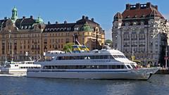 The archipelago boat Cinderella II in Stockholm (Franz Airiman) Tags: cinderellabåtarna strömma strömmakanalbolaget skärgårdsbåt archipelagoboat boat båt ship fartyg nybroviken strandvägen stockholm sweden scandinavia strommacom