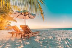 Spark of Summer (icemanphotos) Tags: loungers relax beach spark sunbeam solitude horizon sand