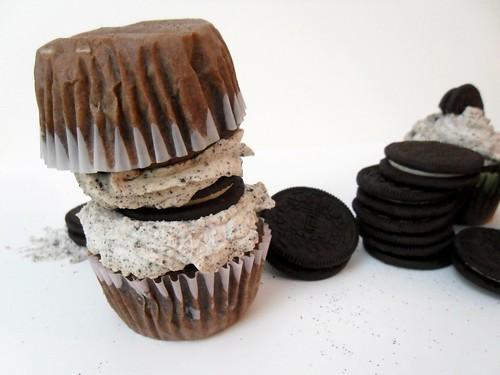 Kaceys Kitchen - Oreo Cupcakes 5