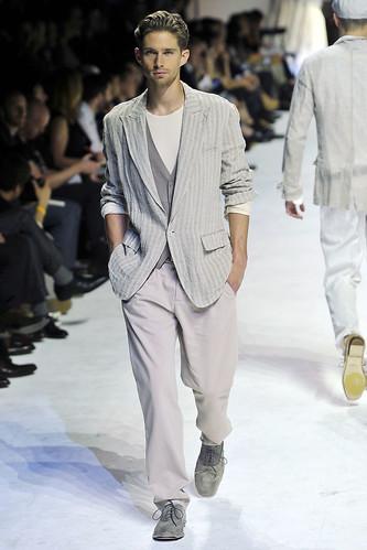 Davenport3120_SS11_Milan_Dolce&Gabbana(VOGUEcom)