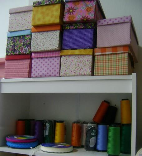 Caixas de sapato coloridas