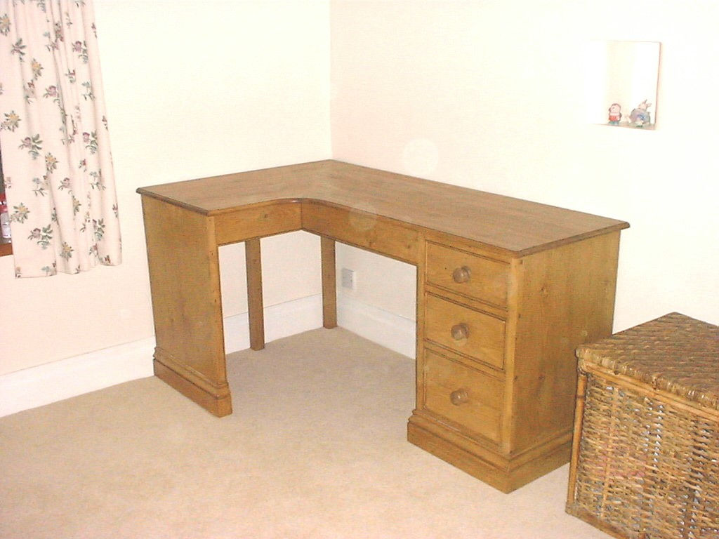 Oak corner tables corner tables baker coffee table Corner dressing table