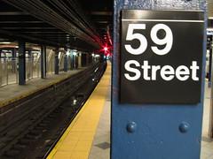 59th Street subway (foto5) Tags: street station sign train subway track metro empty platform tracks nobody number q 59 59thstreet keithsimonsen