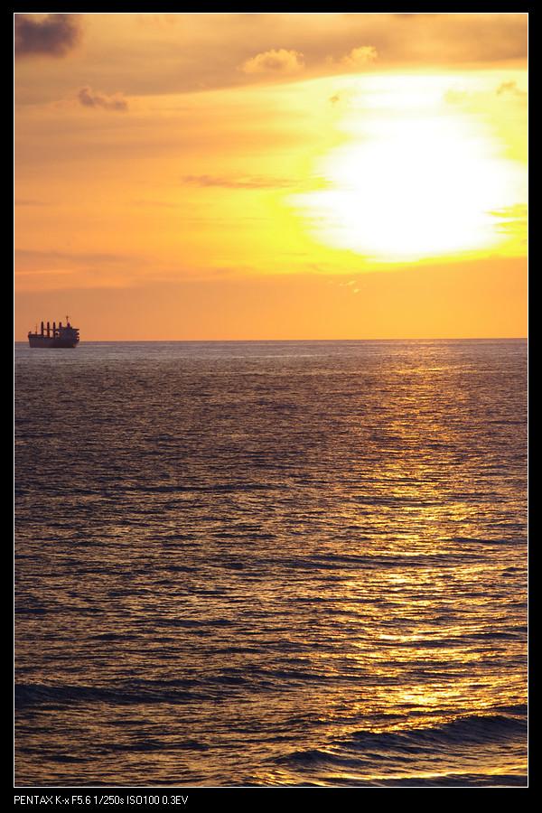 2010 + 0710 旗津壘球賽+夕陽