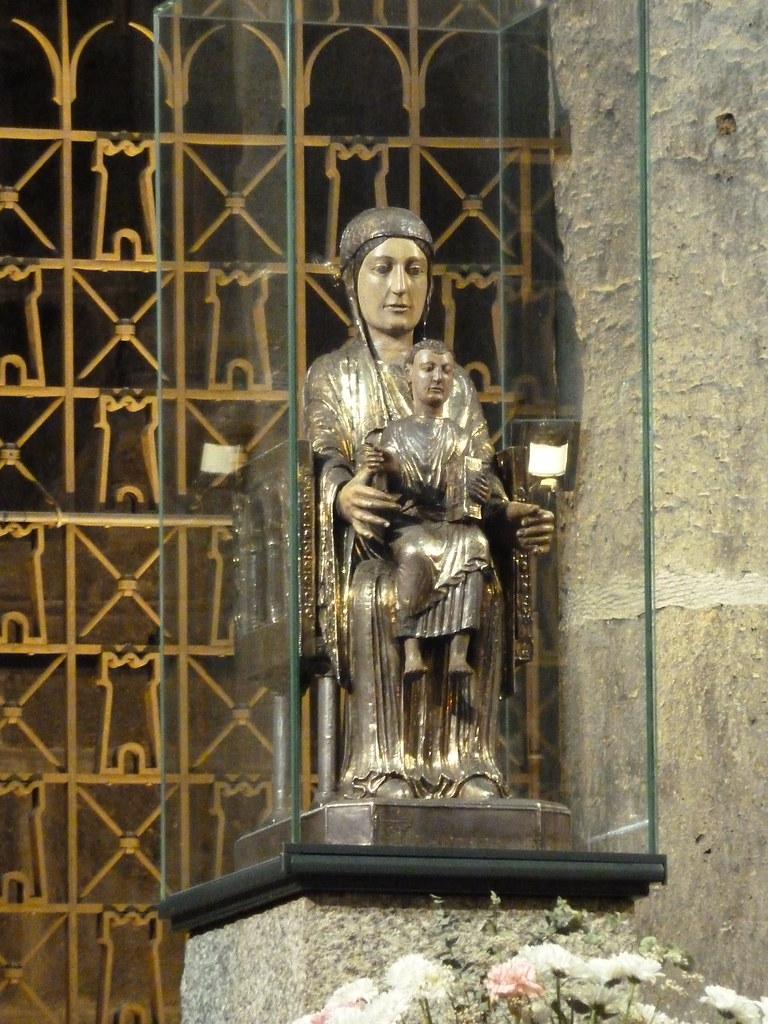 Notre Dame d'Orcival 4