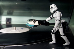Let's put some music on. (baketa) Tags: life trooper riodejaneiro canon project toy soldier star starwars brinquedo long rj play secret vinyl troopers adventure vida lp stormtrooper wars 365 clone sith vinil soldado hasbro aventura aventuras vitrola secreta baketa brunomendes