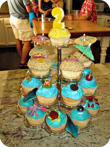 delish cupcake tower