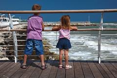 Samuele e Sofia a Pesaro beach (Pogliani Stefano) Tags: canon eos italia mare mark ii 5d pesaro spiaggia marche stefano pogliani