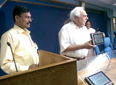 4821050936 e745a7fe2b Indien stellt 25 Euro Tablet für Schüler vor *Update*