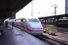 ICE-1 Zug,  Hauptbahnhof, Frankfurt am Main, August 1991 (sludgegulper) Tags: ice germany am frankfurt main hauptbahnhof hbf intercityexpress ice1