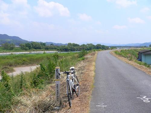 小田川沿いで
