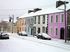 Toler Street (ClareShout) Tags: ireland snow colour clare westclare estuary shannon snowscape countyclare kilrush snowscapes colourfulhouses shannonestuary tolerstreet tolerstreetkilrush