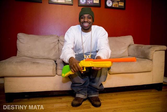 DUKE & PLASTIC SHOT GUN