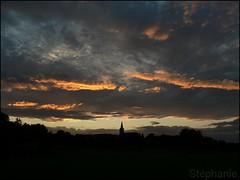 157 / (L-une-ah-tic) Tags: light sunset sky cloud home clouds landscape lumix licht soleil lumire himmel wolke wolken panasonic ciel t nuage nuages fz5 paysage maison landschaft dmc 2010 dmcfz5 panasonicdmcfz5 couherdesoleil lumixdmcfz5 t2010