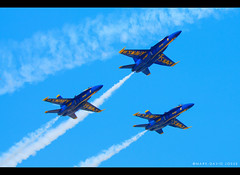 Blue Angels (mj.foto) Tags: seattle blue field team fighter unitedstates action navy jet airshow angels boeing d200 nikkor douglas seafair hornets aerobatic mcdonnell 70200mm fa18 nikkon markjosue