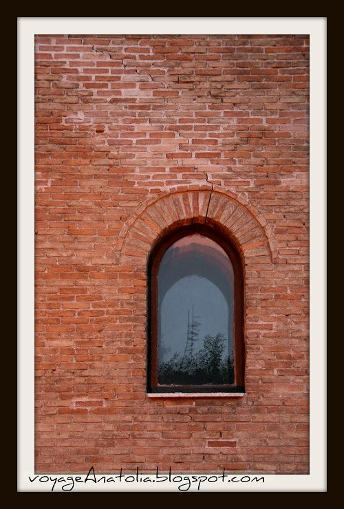 Window by voyageAnatolia.blogspot.com