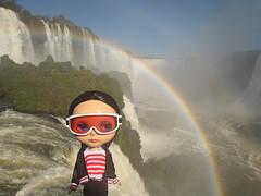 Enriqueta (Suedehead) Tags: brazil glasses diy sweater rainbow doll goggles waterfalls blythe knitted viva iguazu ebony 2010 enriqueta