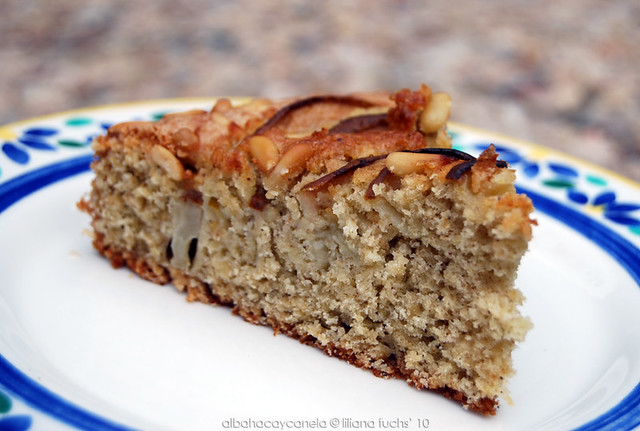Pear pinenuts cake