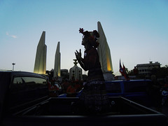 a woman danced the last light (2) (Alien Snaps) Tags: redshirts prodemocracy democracymonument udd