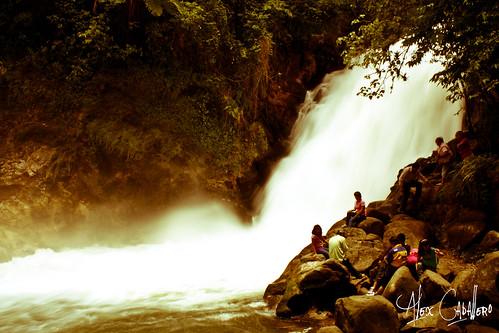 Cascada La Monja by Alex Caballero.